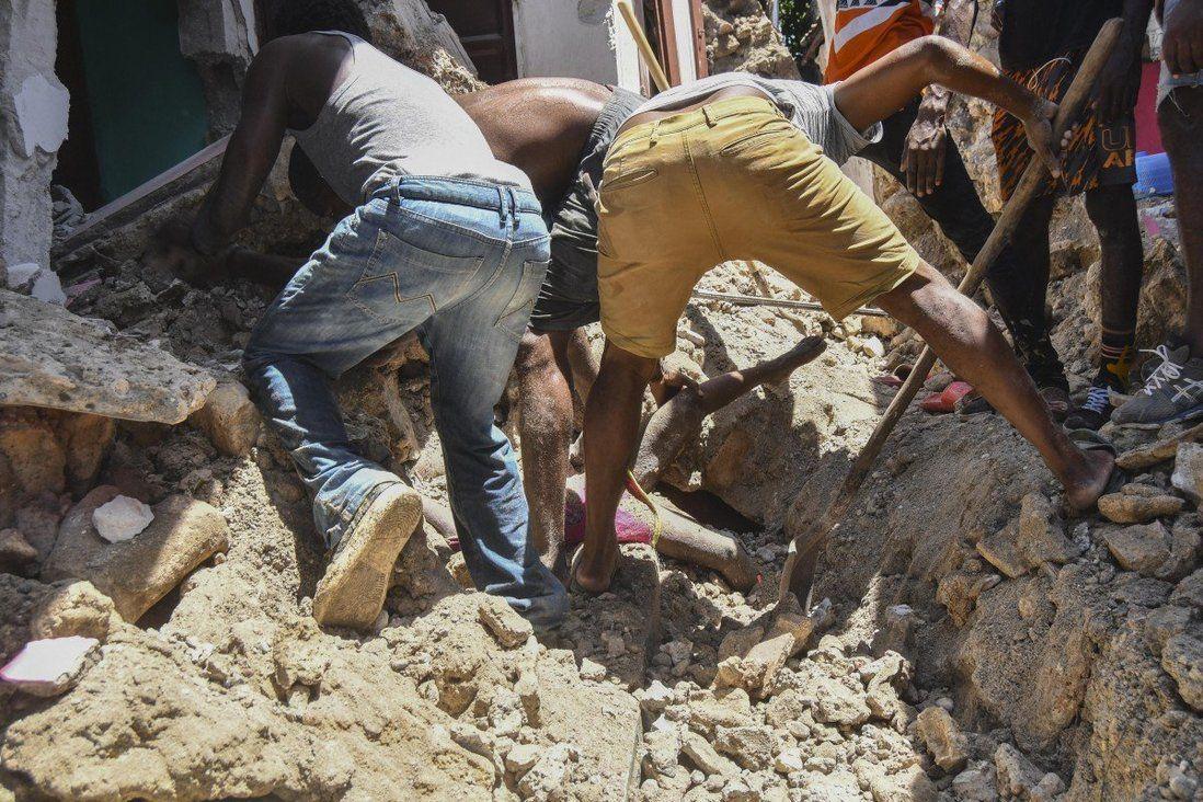 Хаитид 7.2 магнитудын хүчтэй газар хөдөлж, 227 хүн амиа алдлаа