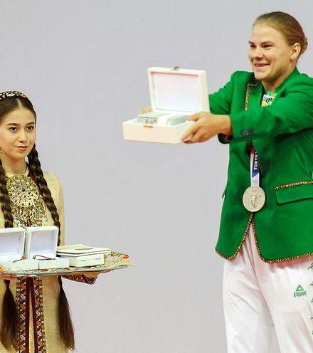 3sznie turkmen olympic medalist x220