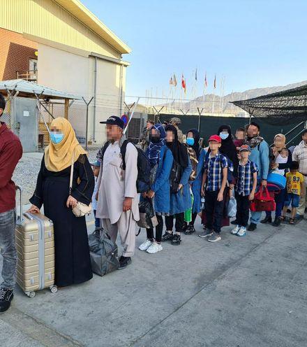Xkji9s afghan evacuatees x220