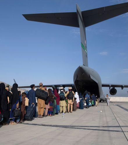 Mu2pw2 afghani evacuation x220