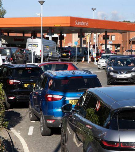 Vjkafr uk petrol shortage x220